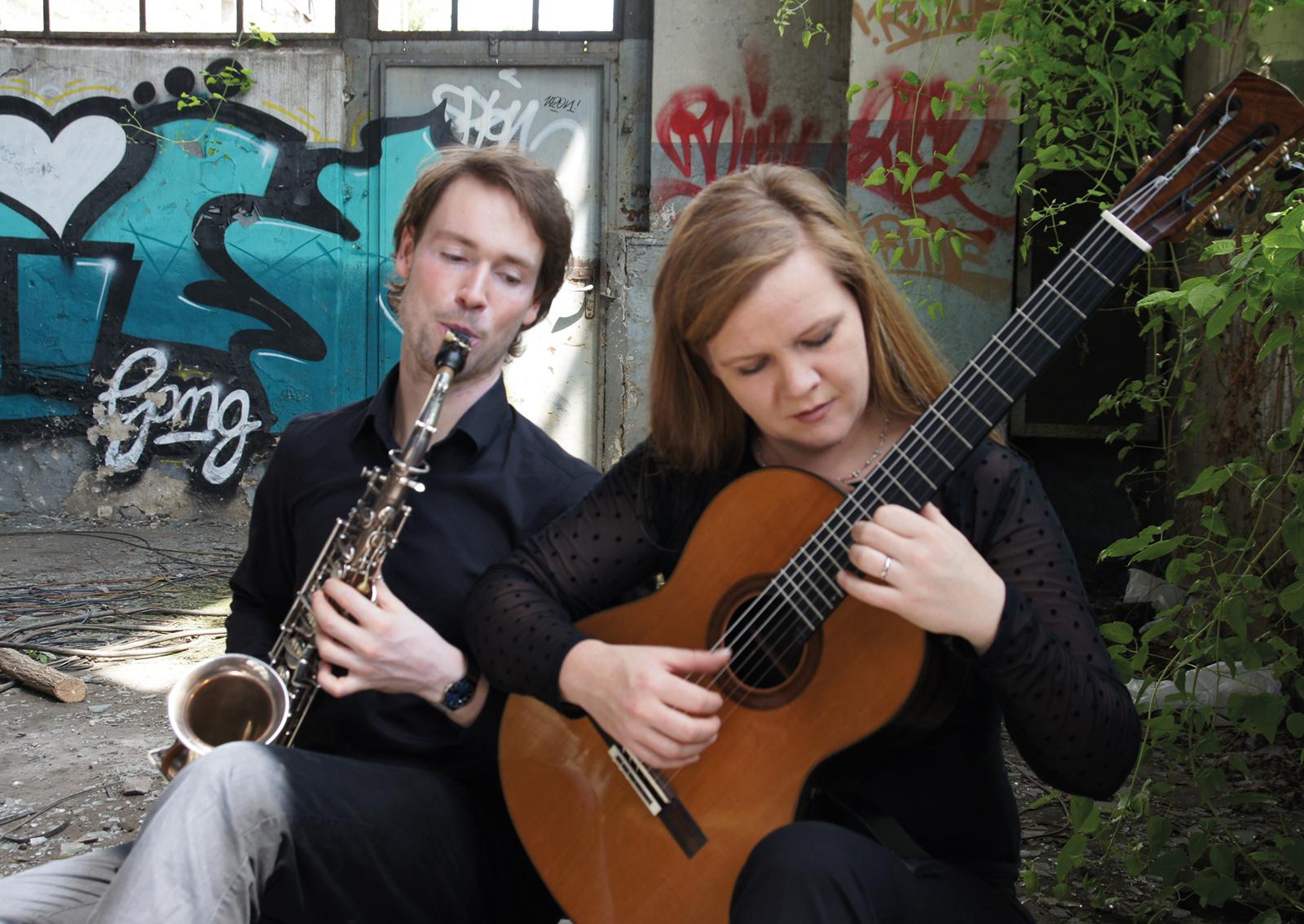 Das Bild zeigt das DUO STRAX - Burkhard Schuchardt & Corinna Schäfer